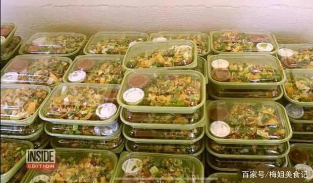 Dân mạng quốc tế thi nhau khoe bữa ăn cách ly cực xịn sò của các nước trong mùa Covid-19 - Ảnh 6.