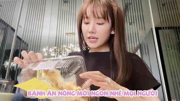 Mua món bánh mì đang cực hot về review nhưng vì quá thèm nên Hari Won đã ăn luôn trên đường đi - Ảnh 4.