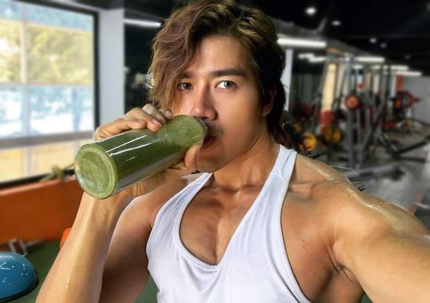 Chàng trai Sài Thành bật mí 3 công thức làm smoothie phục hồi năng lượng sau khi tập mà chỉ mất có 5 phút thực hiện - Ảnh 4.
