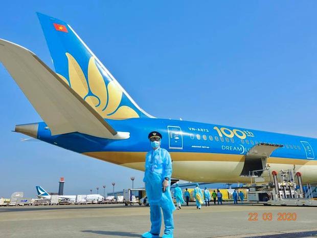 Cơ trưởng chuyến bay giải cứu đến tâm dịch Nhật Bản: Chúng tôi đến đây vì họ và sẵn sàng làm tất cả để không một ai bị bỏ lại - Ảnh 6.