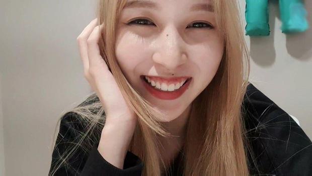 Lâu lắm mới lộ diện, mỹ nhân nước mắt kim cương Mina (TWICE) gây bão với mái tóc mới: Đúng là visual shock của Kpop! - Ảnh 4.