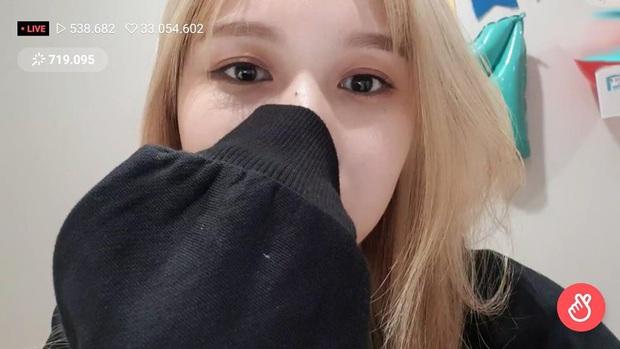 Lâu lắm mới lộ diện, mỹ nhân nước mắt kim cương Mina (TWICE) gây bão với mái tóc mới: Đúng là visual shock của Kpop! - Ảnh 7.