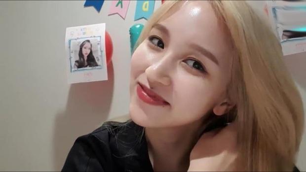 Lâu lắm mới lộ diện, mỹ nhân nước mắt kim cương Mina (TWICE) gây bão với mái tóc mới: Đúng là visual shock của Kpop! - Ảnh 8.
