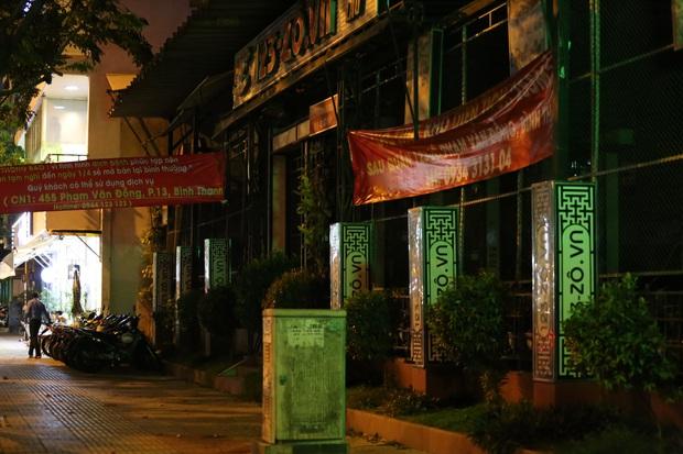Nhà hàng, phòng gym, salon tóc, quán nhậu,... ở Sài Gòn đồng loạt đóng cửa theo chỉ thị để phòng dịch Covid-19 - Ảnh 13.