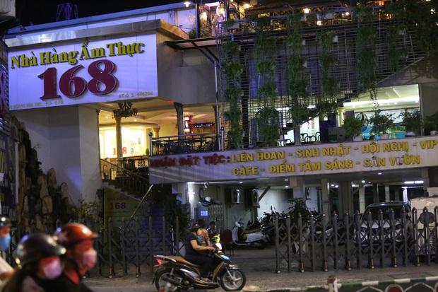 Nhà hàng, phòng gym, salon tóc, quán nhậu,... ở Sài Gòn đồng loạt đóng cửa theo chỉ thị để phòng dịch Covid-19 - Ảnh 10.