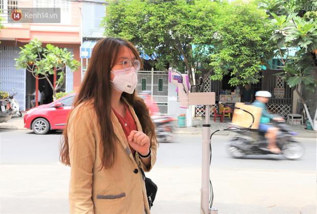 Đại học Đà Nẵng sáng chế, đưa vào sử dụng thiết bị đo thân nhiệt từ xa nhằm ngăn ngừa dịch Covid-19 - Ảnh 1.
