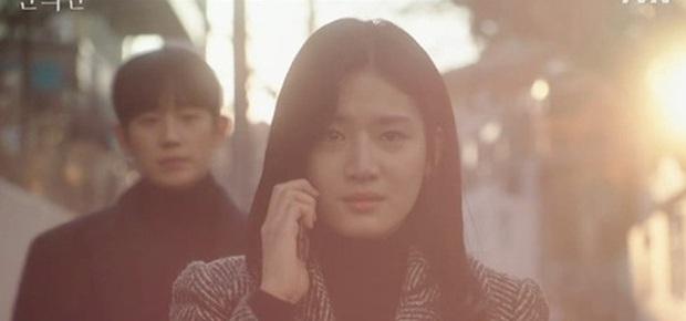 A Piece of Your Mind mở đầu đã ngỡ phim bách hợp, Jung Hae In bị tình đầu né như tránh tà là có lí do? - Ảnh 9.