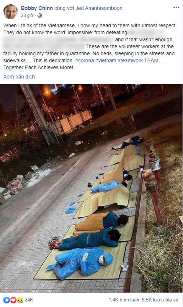 Đầu bếp nổi tiếng Bobby Chinn chia sẻ hình ảnh các tình nguyện viên Việt Nam màn trời chiếu đất ngoài khu cách ly, bạn bè quốc tế xúc động gọi họ là anh hùng - Ảnh 1.