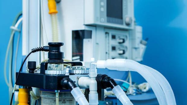 Elon Musk đã giữ lời hứa, gửi 1.000 máy thở tới các bệnh viện ở Mỹ để điều trị Covid-19 - Ảnh 2.