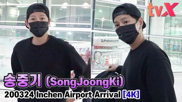 Song Joong Ki chính thức lộ diện tại sân bay, cùng ekip 100 người cách ly 2 tuần sau khi từ Nam Mỹ về vì đại dịch - Ảnh 3.