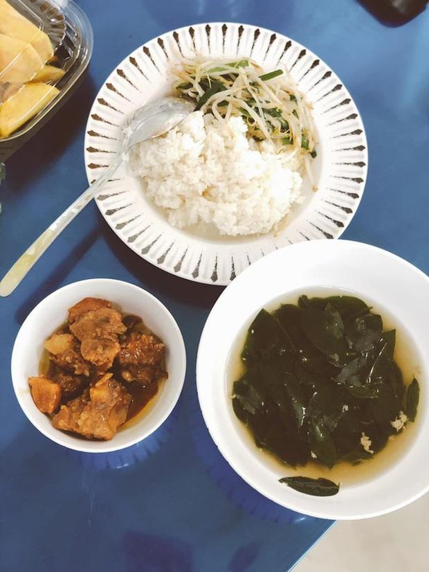 Dân mạng quốc tế thi nhau khoe bữa ăn cách ly cực xịn sò của các nước trong mùa Covid-19 - Ảnh 16.
