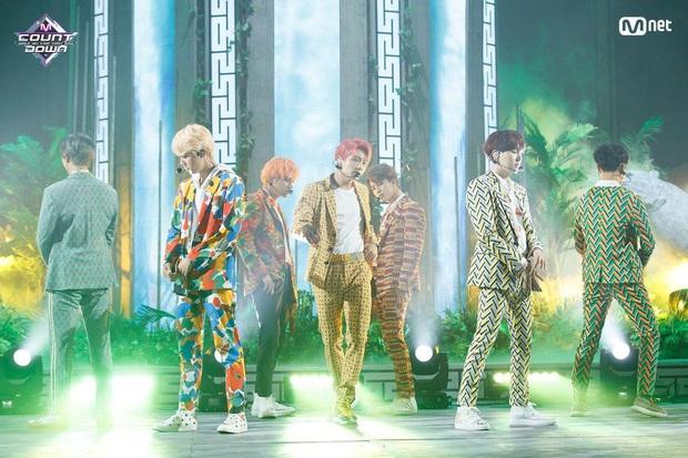 Điểm danh 17 outfit biểu diễn của hội idol bị netizen Hàn ghét cay ghét đắng, đến Black Pink cũng dính chưởng - Ảnh 17.
