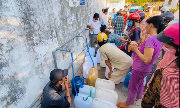 Thủy Tiên khánh thành trạm lọc nước đầu tiên cho 4000 dân tại Bến Tre, tiếp tục kêu gọi bà con miền Tây lên tiếng - Ảnh 8.