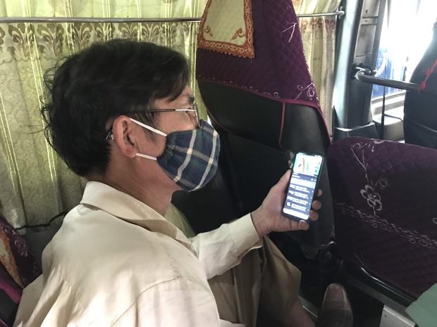Ảnh: Kiểm tra thân nhiệt, khai báo ý tế bắt buộc từng hành khách tại bến xe để phòng chống dịch bệnh COVID-19 - Ảnh 10.