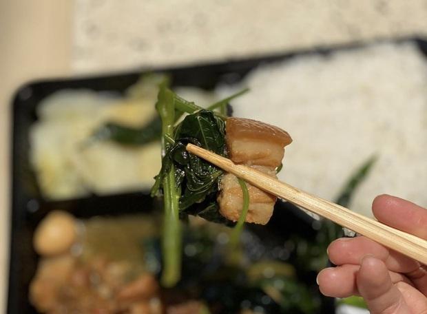 Đi cách ly nhưng lớp khẩu nghiệp của Võ Hoàng Yến có cả hoạt động ngoại khoá: tự hái rau lang organic để làm bữa trưa - Ảnh 7.