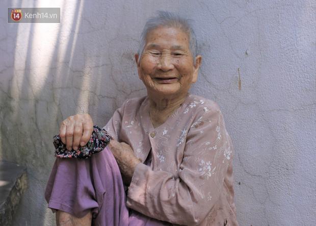 Gặp mẹ Việt Nam Anh hùng tặng hết tiền dành dụm để chống dịch: Hồi xưa mẹ nuôi bộ đội đánh Mỹ, giờ mẹ giúp nhà nước thắng giặc vi rút - Ảnh 2.