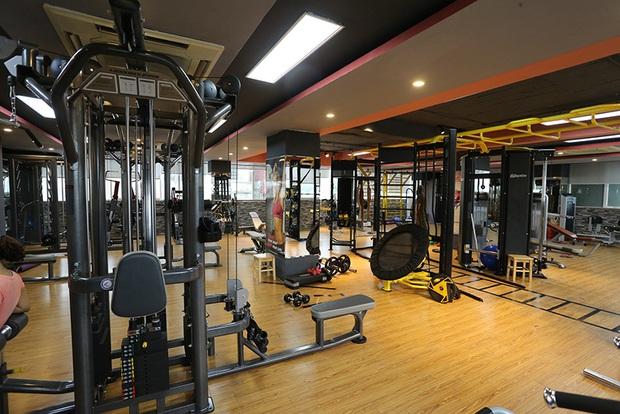 Chủ tịch Hà Nội yêu cầu tạm đóng cửa tất cả quán cà phê, phòng gym đến hết ngày 5/4 - Ảnh 1.