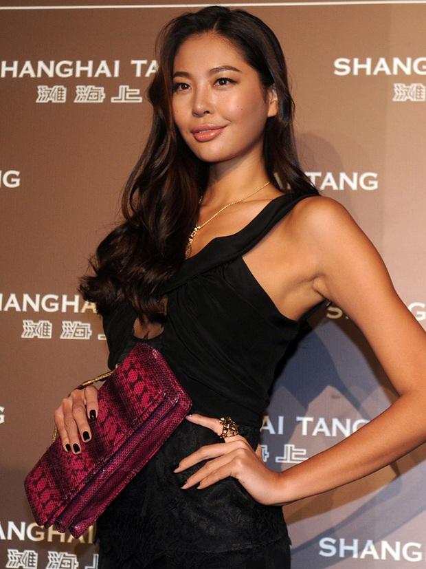 Tiểu tam nức tiếng Trung Quốc: Trắng trợn giật bồ ân sư Naomi Campell, trả giá bằng sự nghiệp Hoa hậu lụi tàn - Ảnh 12.
