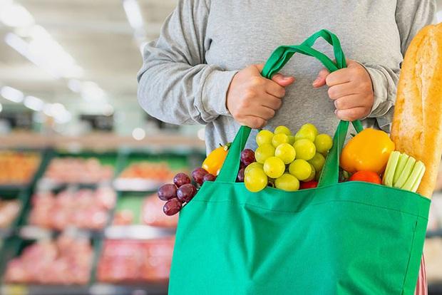 10 lưu ý giúp bạn tránh lây nhiễm Covid-19 khi phải đi mua sắm trong thời dịch - Ảnh 5.