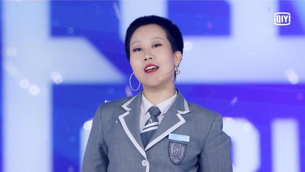 Không phải Ngu Thư Hân, cô nàng đẹp trai này mới là center cho ca khúc chủ đề của Thanh xuân có bạn! - Ảnh 14.
