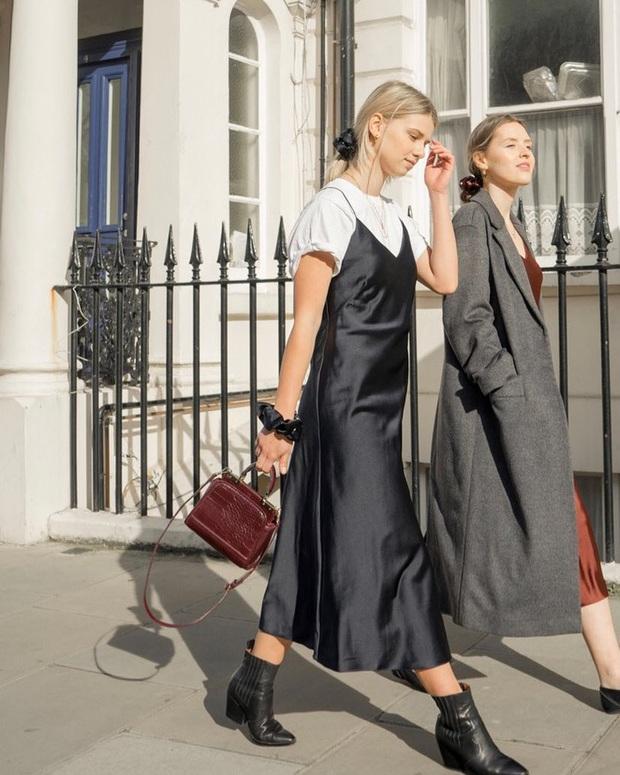 Phụ nữ Pháp cứ diện váy lụa đẹp mê thế này, chị em ngắm rồi sẽ muốn tậu ngay cả lố với muôn màu sắc - Ảnh 4.