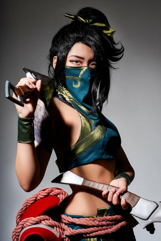Chiêm ngưỡng vẻ nóng bỏng chết người của cô nàng cosplayer người Hàn Quốc khi hóa thân vào sát thủ đơn độc Akali - Ảnh 5.