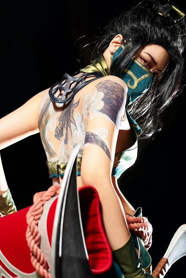 Chiêm ngưỡng vẻ nóng bỏng chết người của cô nàng cosplayer người Hàn Quốc khi hóa thân vào sát thủ đơn độc Akali - Ảnh 7.