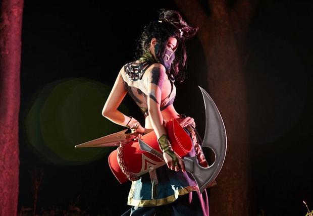 Chiêm ngưỡng vẻ nóng bỏng chết người của cô nàng cosplayer người Hàn Quốc khi hóa thân vào sát thủ đơn độc Akali - Ảnh 9.
