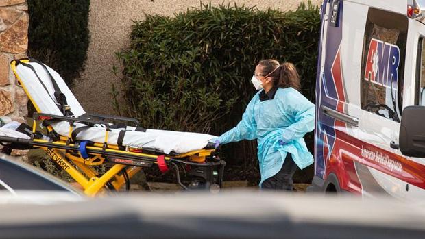Mỹ có nạn nhân tuổi teen đầu tiên nghi tử vong do nhiễm Covid-19, sức khỏe trước đó hoàn toàn bình thường - Ảnh 2.