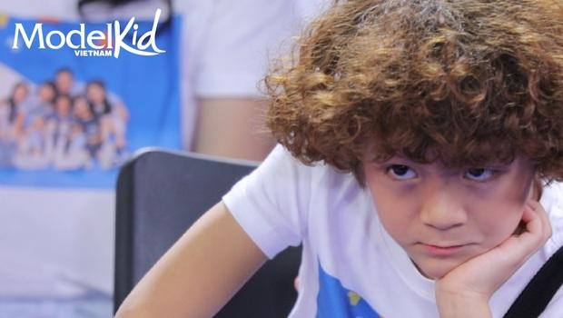 Model Kid: Quang Đại bất ngờ lên tiếng, Hương Ly đỏ hoe mắt, các thí sinh nhí ôm mặt lo lắng - Ảnh 10.