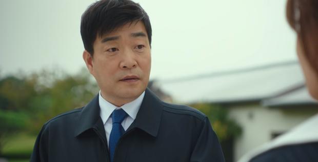 Ngẫm lại từ đoạn kết của Tầng Lớp Itaewon: Hoá ra Park Sae Ro Yi chẳng còn xứng đáng với ai, dù là bố, tình đầu hay điên nữ! - Ảnh 3.