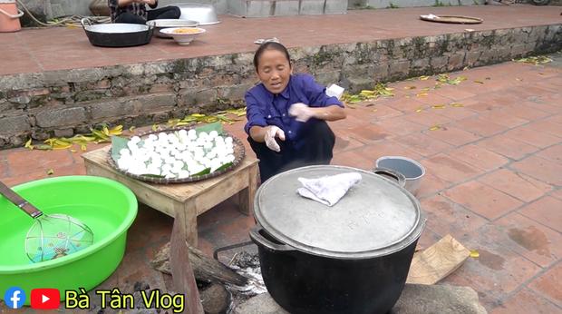 Vừa làm món chông chênh vừa đọc thành ngữ nhưng bà Tân lại đọc sai bét câu thành ngữ Việt Nam quen thuộc - Ảnh 3.
