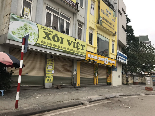 """Chủ cửa hàng thực hiện lệnh đóng cửa quán để chống dịch COVID-19: """"Sức khoẻ là vốn quý nhất, mong Hà Nội sớm bình yên trở lại!"""" - Ảnh 1."""