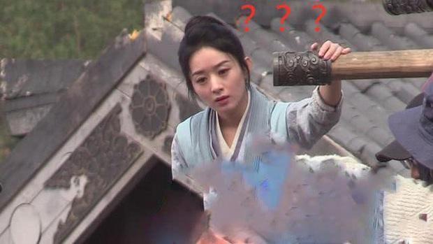 Rộ tin Triệu Lệ Dĩnh mặt nặng mày nhẹ trên phim trường với Chu Khiết Quỳnh vì bị đàn em giở thủ đoạn sau lưng - Ảnh 4.