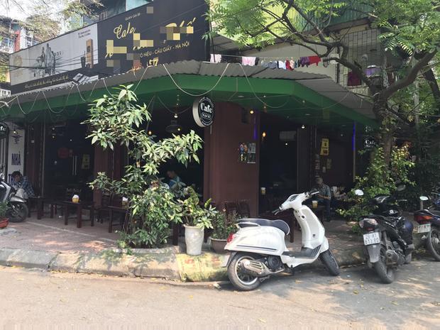 Hà Nội: Hàng loạt quán cafe, quán nhậu vẫn tấp nập mở cửa đón khách bất chấp lệnh đóng cửa để phòng chống COVID-19 - Ảnh 13.
