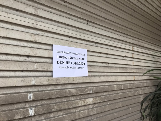 Hà Nội: Hàng loạt quán cafe, quán nhậu vẫn tấp nập mở cửa đón khách bất chấp lệnh đóng cửa để phòng chống COVID-19 - Ảnh 19.