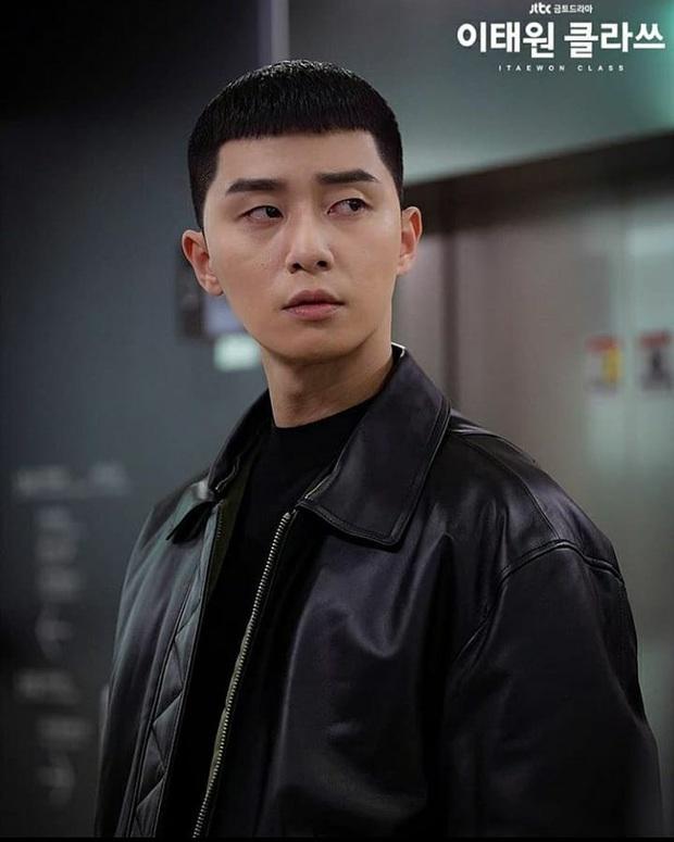 Ngẫm lại từ đoạn kết của Tầng Lớp Itaewon: Hoá ra Park Sae Ro Yi chẳng còn xứng đáng với ai, dù là bố, tình đầu hay điên nữ! - Ảnh 1.