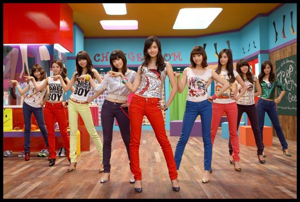 """Từ thời """"ngày xửa ngày xưa"""", SNSD đã lăng xê bao hot trend khiến dân tình điên đảo: Đẳng cấp girl group """"tường thành"""" là đây - Ảnh 4."""