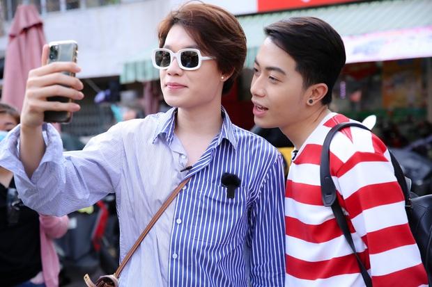 Tự cách ly vì Cô Vy, Duy Khánh vẫn được chồng yêu Cris Phan tiếp tế thức ăn tận cửa - Ảnh 1.