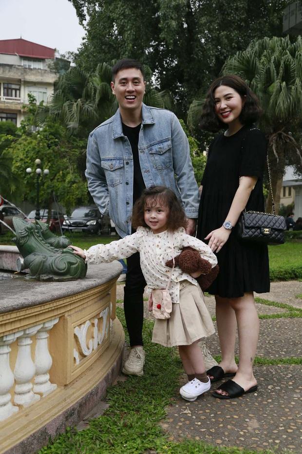 Biểu cảm đáng yêu của bé Đậu nhà Ba Duy - Nam Thương khi bị bắt quả tang trên show thực tế - Ảnh 5.