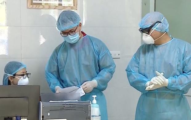 Bộ Y tế: 37 bệnh nhân nhiễm Covid-19 đã có kết quả xét nghiệm âm tính từ 1 - 4 lần - Ảnh 1.