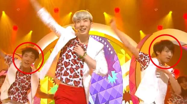 """Quá khứ làm vũ công phụ họa của loạt idol đình đám: Anh em BTS nhảy phụ cho đàn anh cùng nhà, Kang Daniel diễn cảnh tình tứ với mỹ nhân """"bốc lửa"""" - Ảnh 4."""