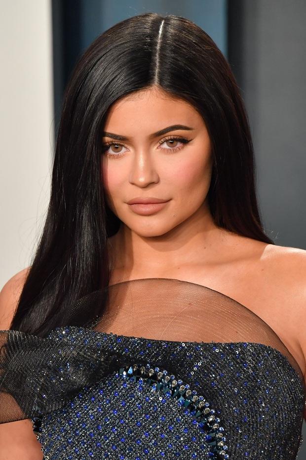Sau 1 năm, Kylie Jenner mới tiết lộ lý do gây sốc khi vắng mặt tại PFW năm ngoái: Tôi đã bị hộc máu mồm! - Ảnh 3.