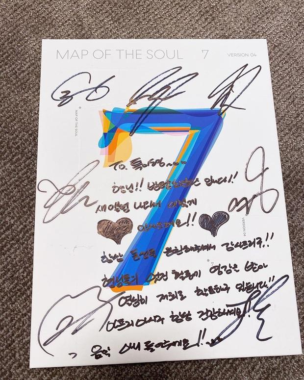 Thủ lĩnh Leeteuk (SuJu) kể chuyện nhận CD từ mẹ J-Hope: Câu chuyện hé lộ luôn tính cách thật của thành viên giàu nhất BTS - Ảnh 2.