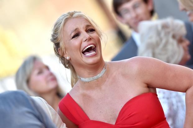 Britney Spears cuối cùng đã chịu tiết lộ sự thật việc tự nhận phá kỷ lục chạy 100m của Usain Bolt: Kết quả không nằm ngoài dự đoán của phần đông - Ảnh 3.