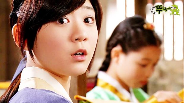 Sao nhí từng được Hyun Bin cưng chiều trong Tôi là Kim Sam Soon giờ đã lột xác ngoạn mục sau 15 năm: Khác gì idol đâu? - Ảnh 10.