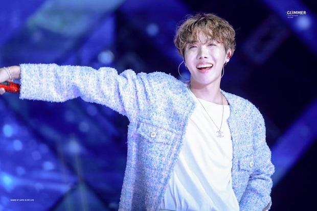 Thủ lĩnh Leeteuk (SuJu) kể chuyện nhận CD từ mẹ J-Hope: Câu chuyện hé lộ luôn tính cách thật của thành viên giàu nhất BTS - Ảnh 3.
