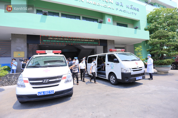 Các bác sĩ điều trị khỏi cho 3 bệnh nhân Covid-19 ở Đà Nẵng: Hơn 20 ngày chưa được về nhà - Ảnh 8.