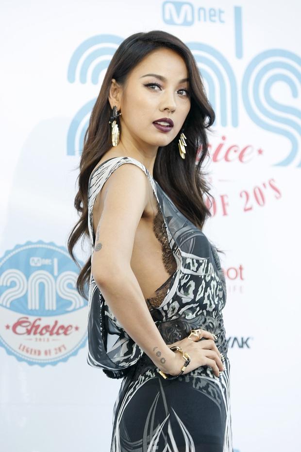 """Bi Rain tiết lộ nữ idol """"bất khả chiến bại"""" của Kpop làm Knet khó tính cũng phải tâm phục khẩu phục vì quá xứng đáng, debut 22 năm vẫn """"nổi như cồn"""" - Ảnh 3."""
