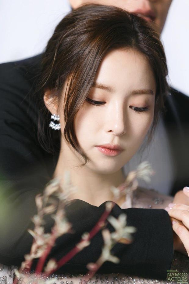 Nạn nhân phòng chat thứ N Shin Se Kyung: Từ sao nhí tiềm năng đến mỹ nhân toàn vai tranh cãi - Ảnh 2.